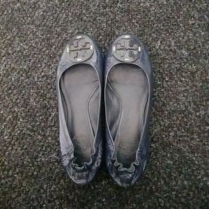 ballerina flats. Embellished with th TB isgnia